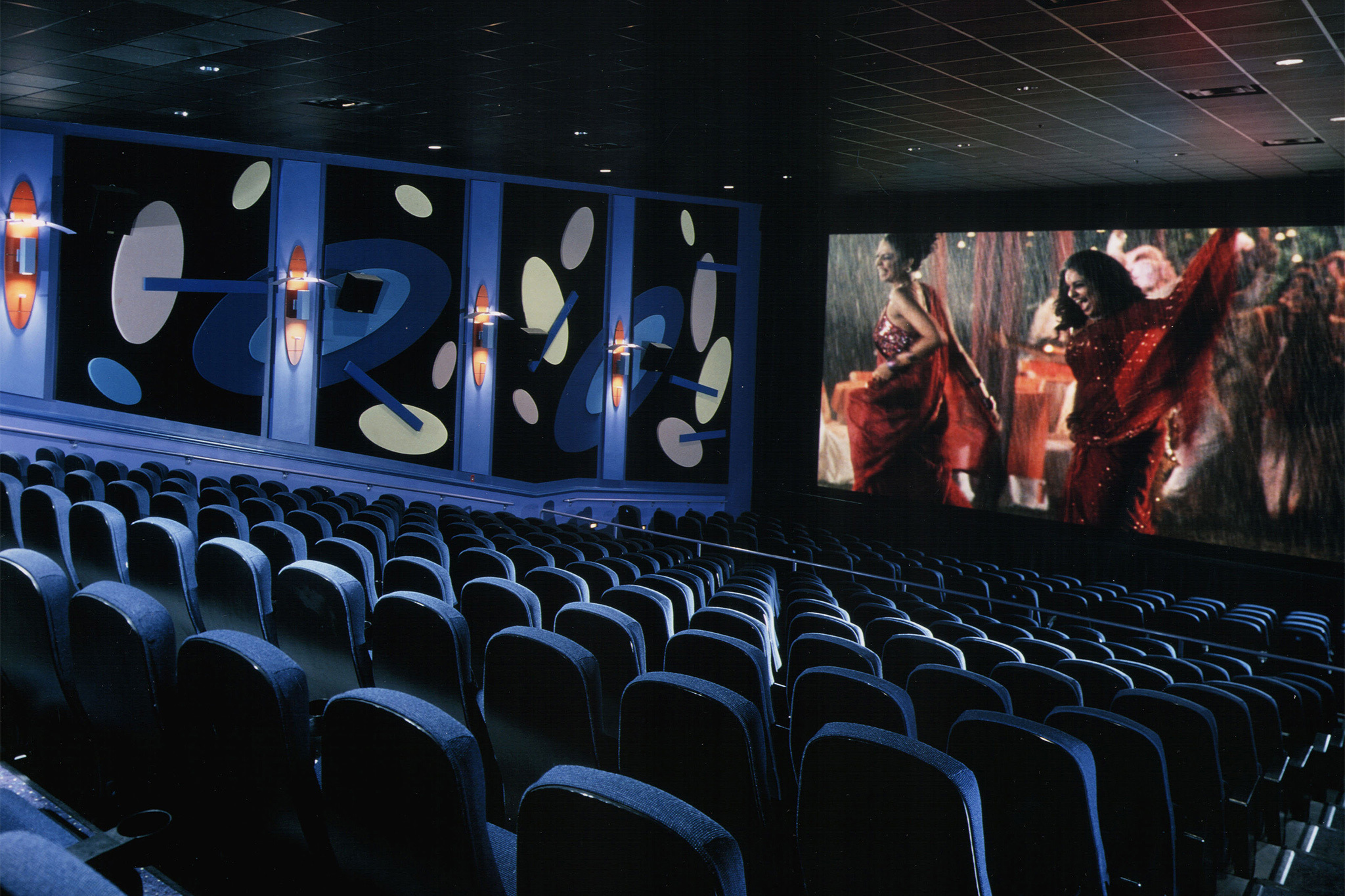 modern cinema is a boon 10 reviews of film streams' dundee theater that the city of omaha now has two arthouse cinemas is a testament to how much the city has grown since i last lived here nearly 20 years ago.