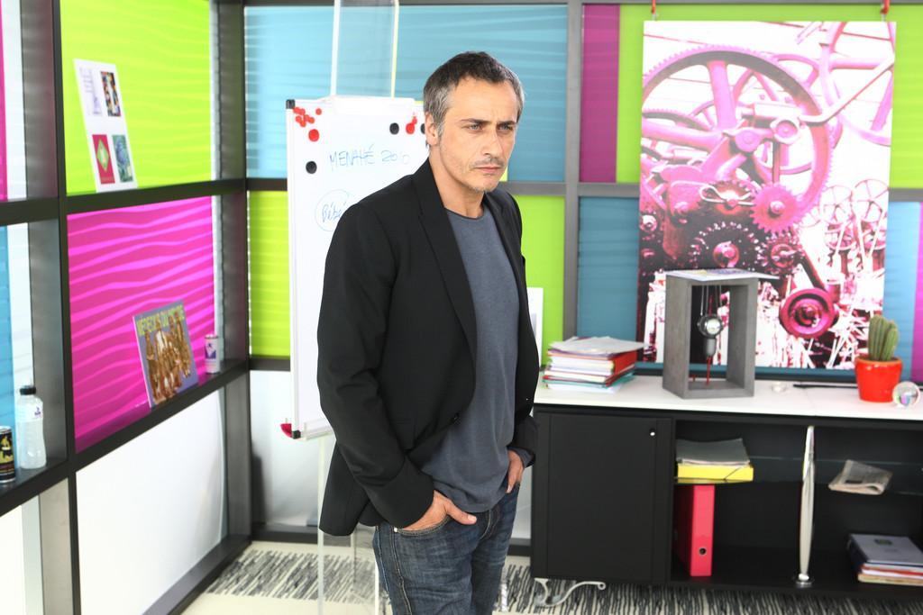 un b b pour mes 40 ans 2010 film 1h 40min cin s ries. Black Bedroom Furniture Sets. Home Design Ideas